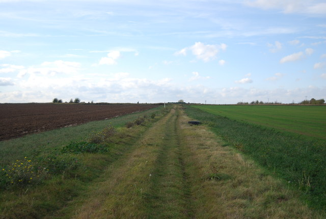 Footpath south of Malmaynes Hall Farm