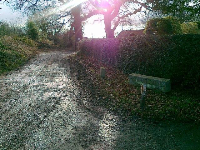 Slade Lane, Mountside