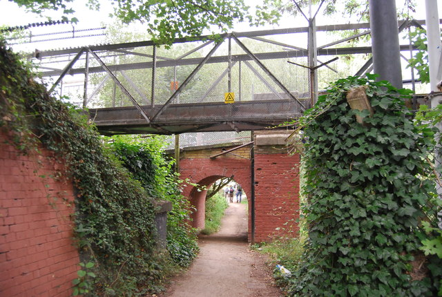 Footbridge over the Medway Valley Walk