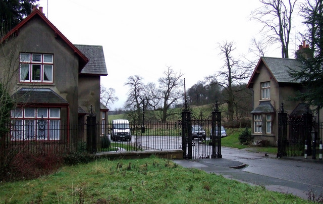 Gatehouses at The Luton Drive
