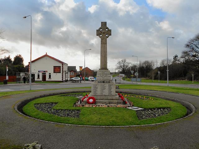 Fingerpost War Memorial, Aspull