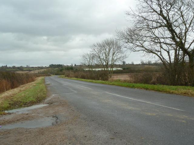 Tempsford Road looking towards Everton