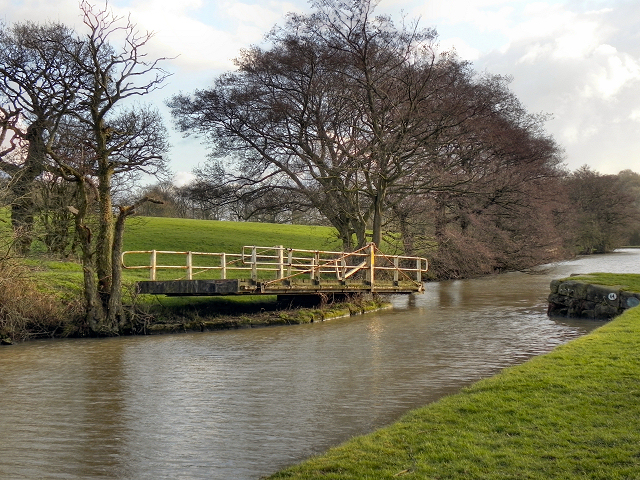 Leeds and Liverpool Canal, Ranicar's Swing Bridge