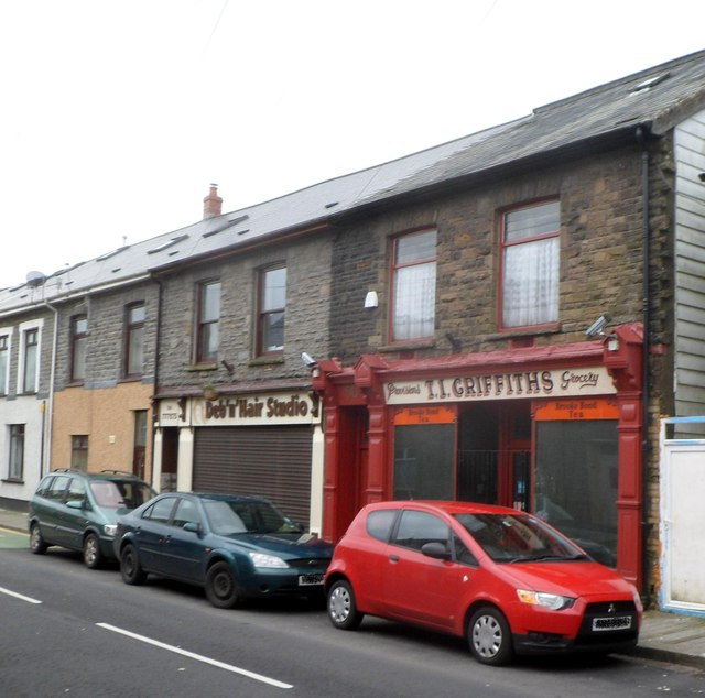 Grade II listed old-style shop, Tynewydd