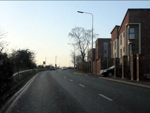 Station Road, Latchford