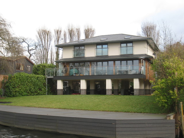 Houses by the River Avon (2)