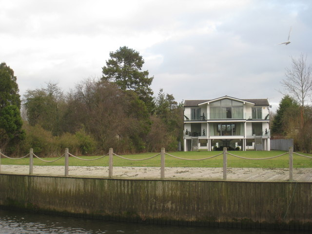Houses by the River Avon (4)