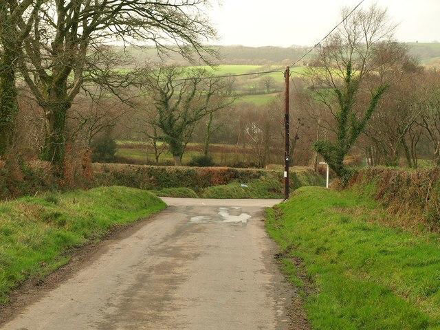 Approaching Hardhill Cross