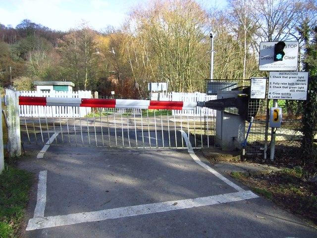 Forge Farm railway crossing