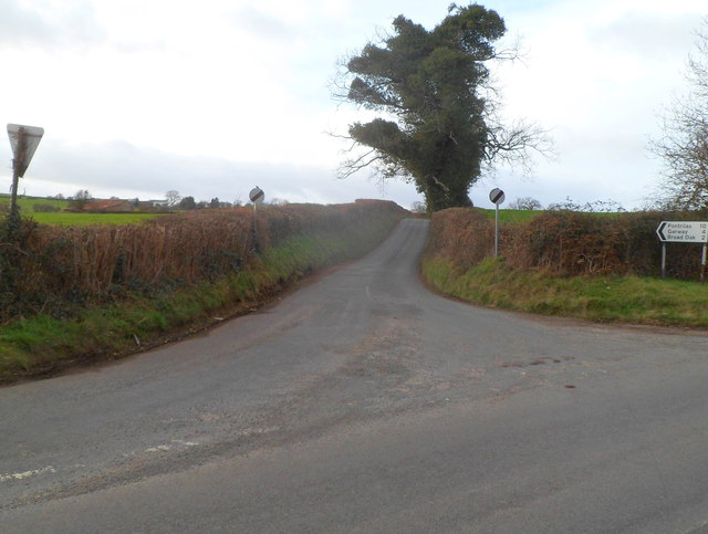 Road from Welsh Newton to Pontrilas