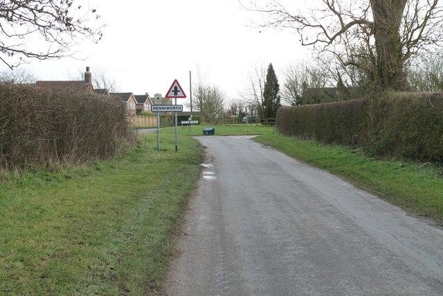 Station road entering Benniworth