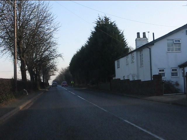 Houses by the Knutsford Road (A50)