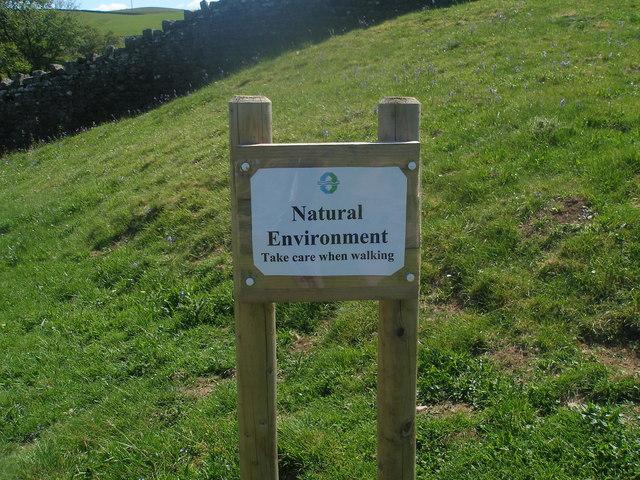 Wonderfully pointless sign near Blackton Reservoir