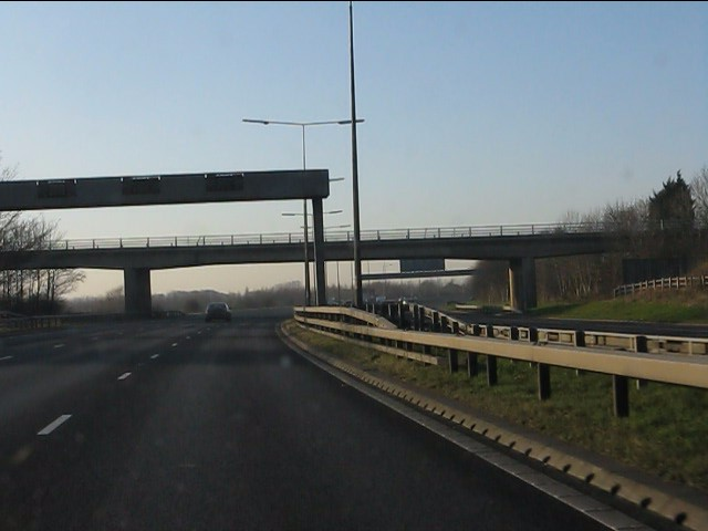 M62 motorway - Whitefield Lane overbridge