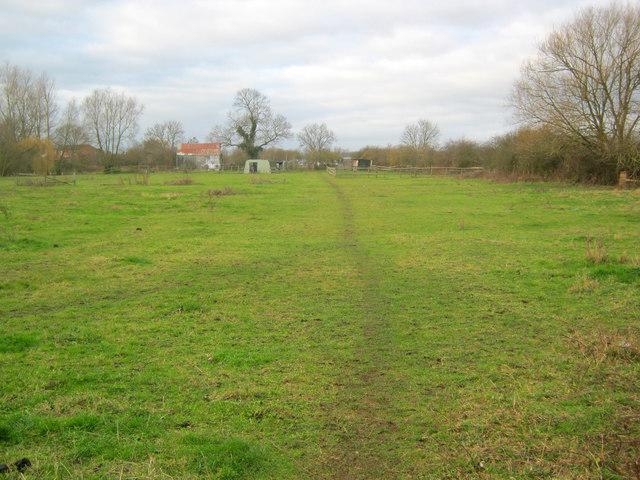 Footpath north of Farndon