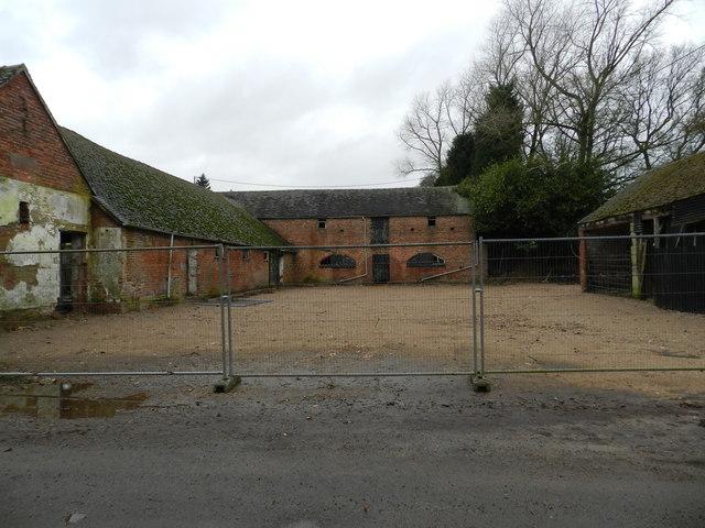 Derelict farm, The Knob