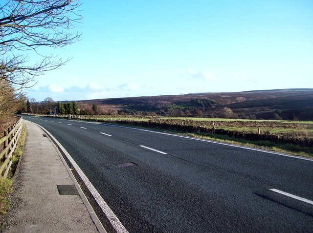 The A 57 Manchester Road near Hollow Meadows