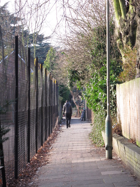 Path between Sunny Gardens Road and Church Terrace, NW4