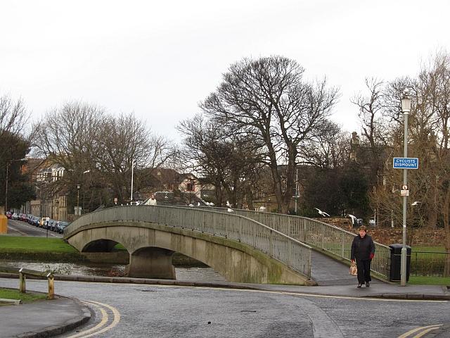 Footbridge over the Esk