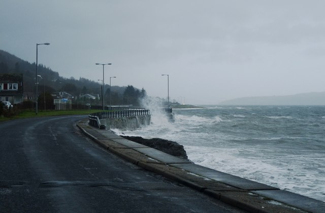 Sea wall does its job at Innellan