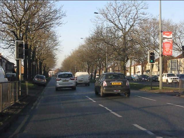 Queens Drive north of Prescot Road junction