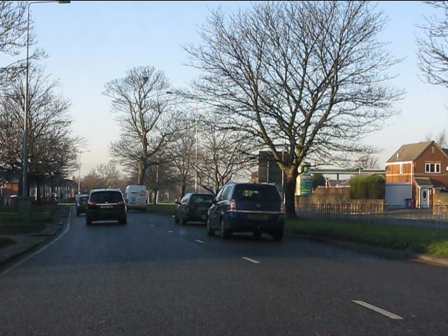 Queens Drive north of Mill Bank junction
