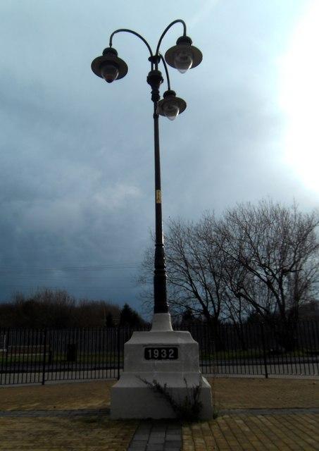 Fryston Village Lamp Post