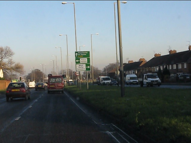A580 approaching Lower Lane junction