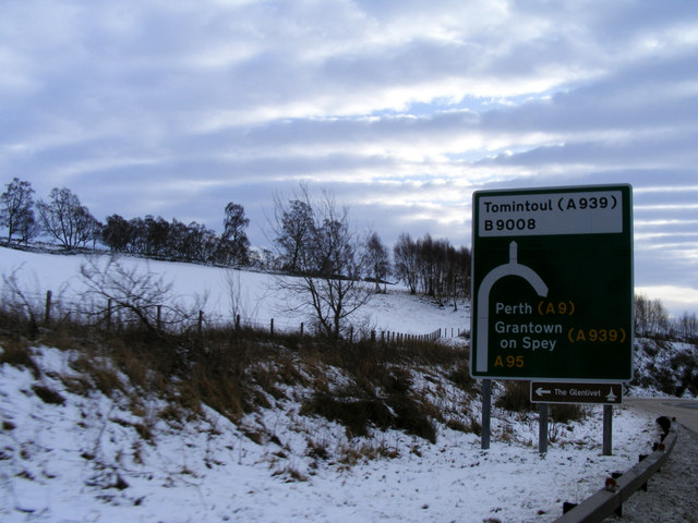 The A95 before the Glenlivet Turn Off