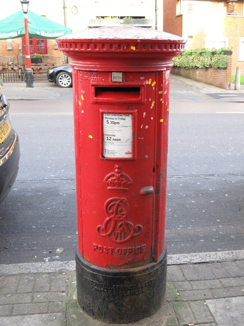 Edward VII postbox, Church Road / Wroughton Terrace, NW4