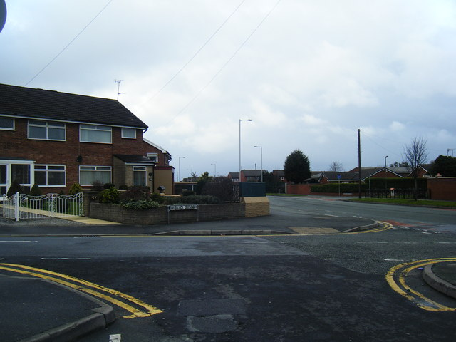 Saughall Massie Road/Brookside Crescent junction