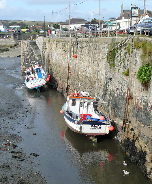 Low tide at Porthleven