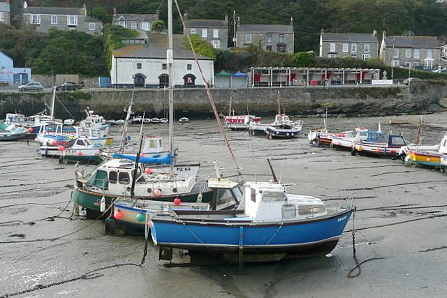 Low tide at Porthleven