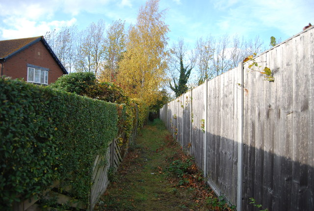 Footpath leading from Bellwood Court