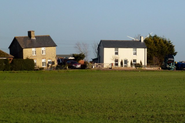 Houses on Miller's Way north of Warboys