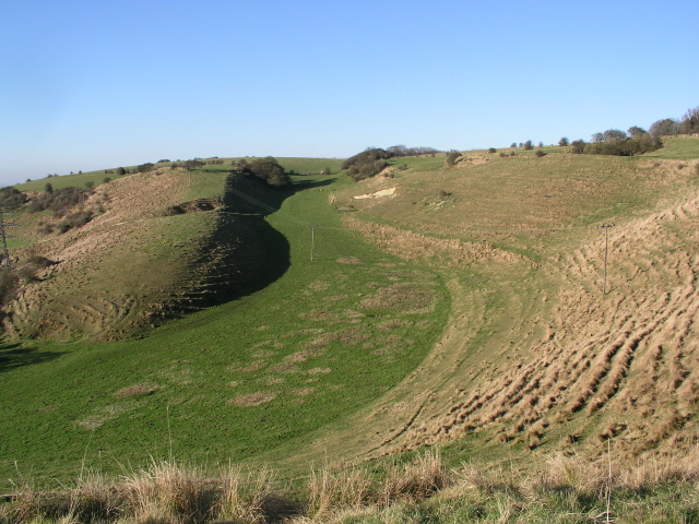 North Downs Way SE of Farthing Common