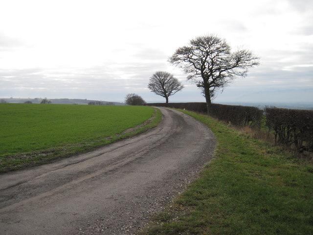 Gatehowe  Road  Hanging  Grimston  Wold