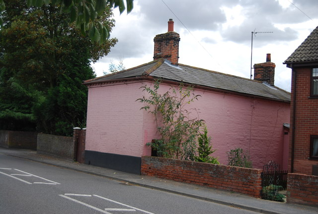 Pink washed house, Station Rd