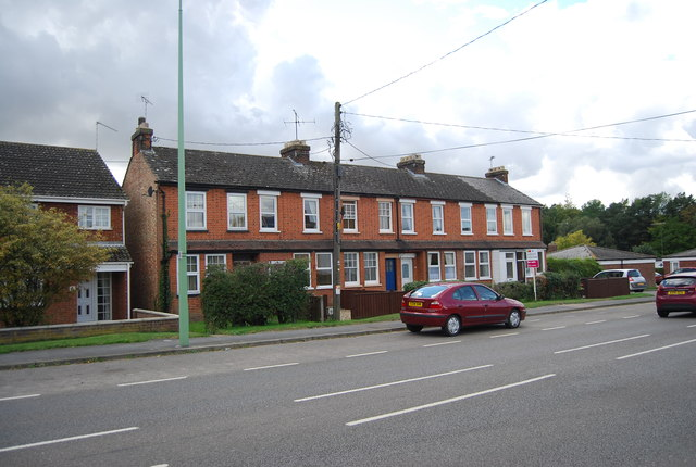 Terraced houses, Station Rd