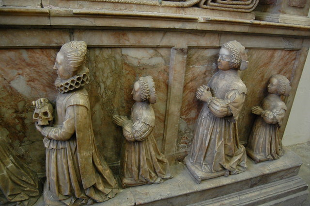 Wives and Children of Sir Richard Smythe on memorial