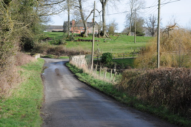 Road through Millhalf