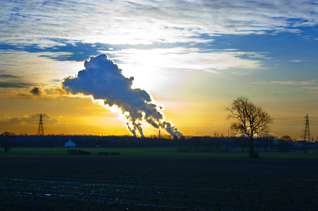 Looking across the fields towards the plumes from Fiddler's Ferry Power Station