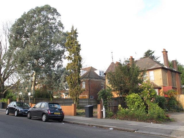 Brampton Grove, NW4