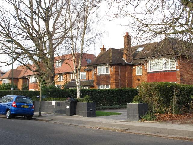 Brampton Grove, NW4 (2)