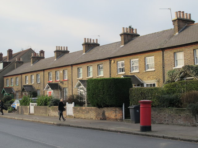 The Burroughs, NW4 (2)