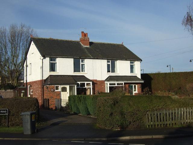 Houses on Leeds Road, Scholes