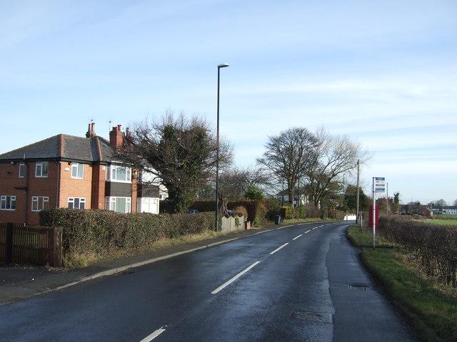 Leeds Road towards Barwick in Elmet