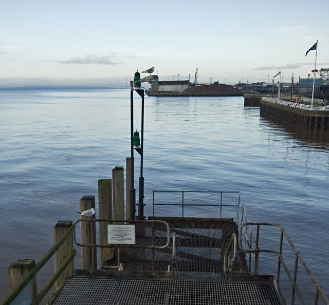The Admiral's Steps, Hull