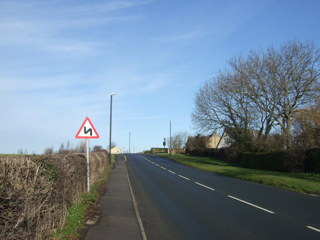 Minor road heading north towards Junction 44 of the A1(M)