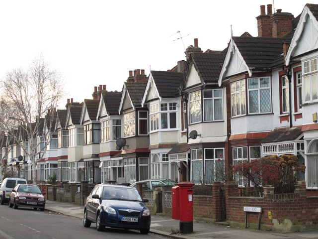 Audley Road / Montagu Road, NW4